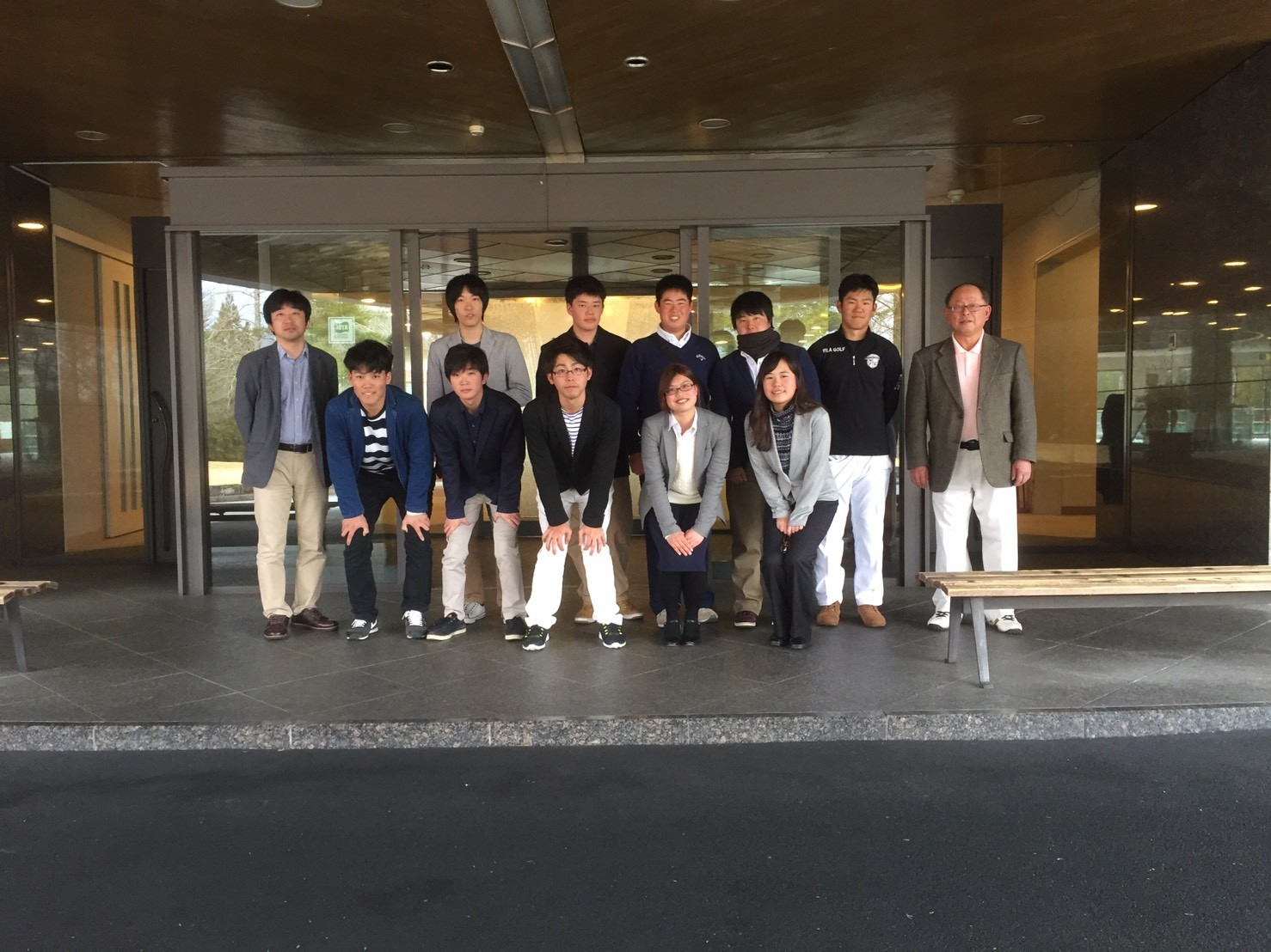 29-1-02ゴルフ部枚方支部同好会(写真).jpg